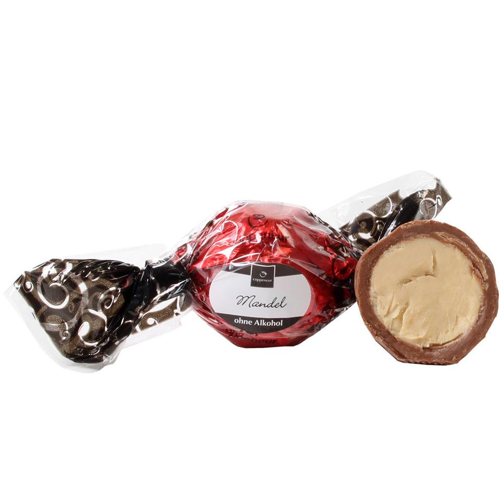 Nougat, walnut, Baumnuss, noix, bonbon, - SweetFingerfood, alcoholvrije chocolade, Duitsland, Duitse chocolade, Chocolade met noga, noga chocolade - Chocolats-De-Luxe