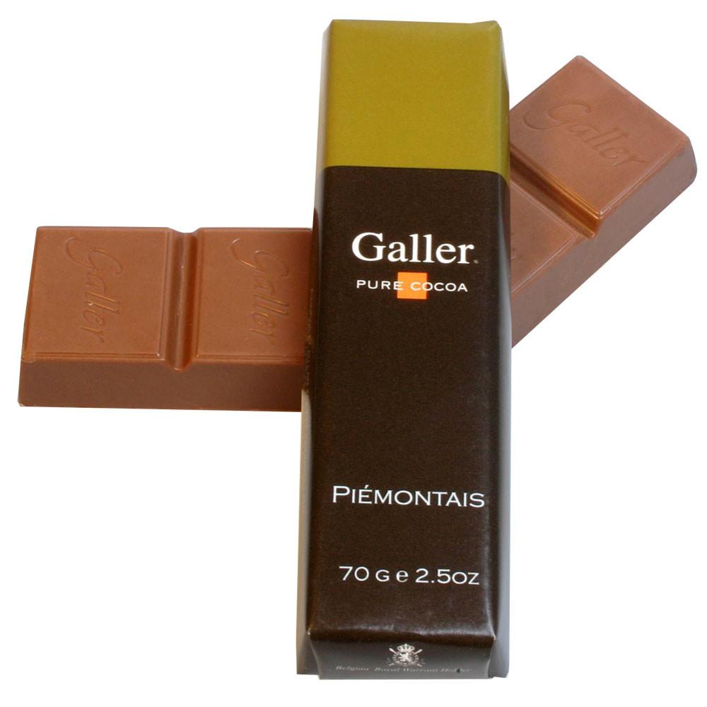 Vollmilch Schokolade, milk chocolate, chocolat au lait, Belgium, Belgian Chocolate, chocolat Belge, nougat, hazelnuts, noisettes, nocciolo, coconut, coco                                                -  - Chocolats-De-Luxe