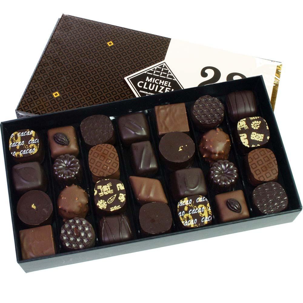 28 Chocolats Noir & Lait - 28 Pralines light and dark - Pralines, soy free chocolate, France, french chocolate, Chocolate with almonds, almond chocolate - Chocolats-De-Luxe