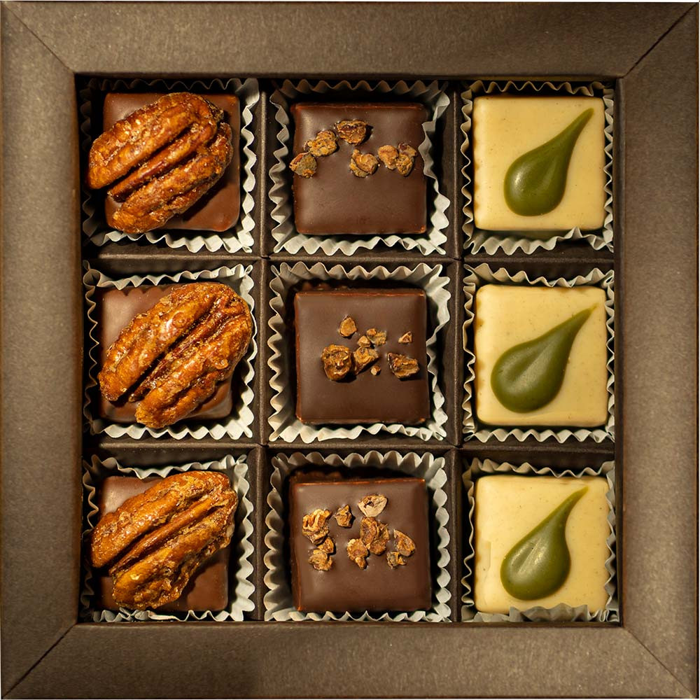 Award Gewinner Silber 3 x 3 vegane Pralinen in der Geschenkbox - Pralines, vegan chocolate, Germany, german chocolate, Chocolate with marzipan, Chocolate with almond paste - Chocolats-De-Luxe