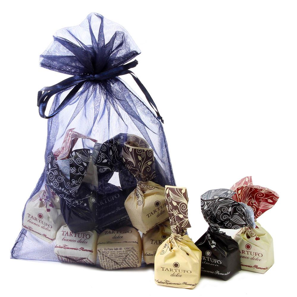 weisse Trüffel, Haselnüsse, Piemont, Italien, tartufi, Spezialität, Pralinen, truffels, hazelnuts, - Truffle, gluten free chocolate, Italy, italian chocolate - Chocolats-De-Luxe