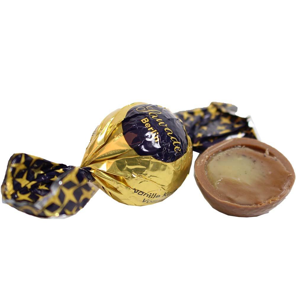 Pallina di caramello alla vaniglia in cioccolato al latte