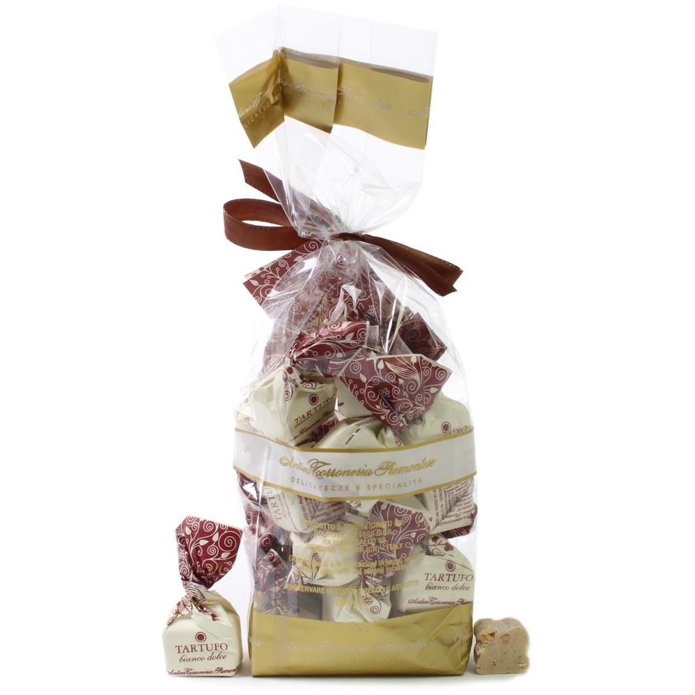 Tartufo, Haselnuss, Piemont, Nocciole, - Truffle, Italy, italian chocolate, chocolate with hazelnut, hazelnut chocolate - Chocolats-De-Luxe