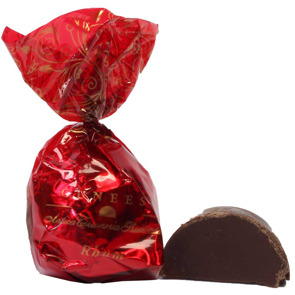 Cuneesi al Rhum - Schokoladen-Praline mit Rum Stück - Fingerfood doux, avec l'alcool, chocolat sans OGM , végan-amicale, Italie, chocolat italien, chocolat au rhum - Chocolats-De-Luxe
