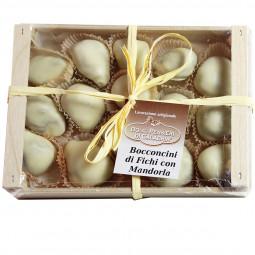 Feigen mit Mandeln und Orangenschale gefüllt in weißer Schokolade